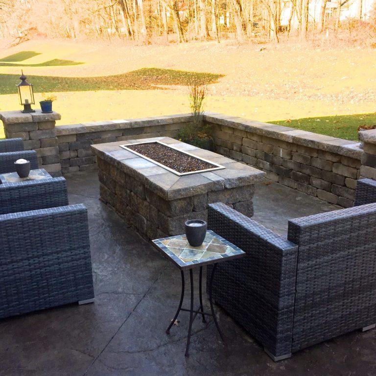 patio with fireput
